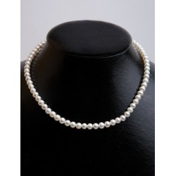 FRESH WATER PEARL WHITE ROUND BEADS 5-5.50mm STRING 40cm